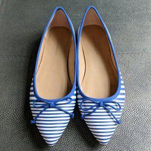 Banana Republic blue white stripe flats 10